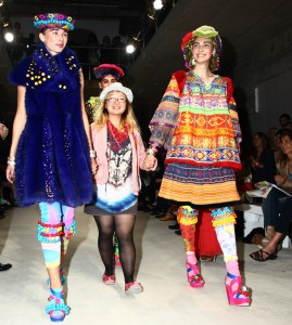 Samata presents prestigious Collection of the Year Award at London College of Fashion